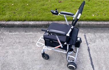 Airwheel H8 rough terrain folding electric wheelchairs